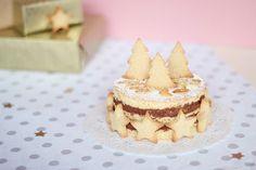 Gâteau de Noël au chocolat noir et aux amandes