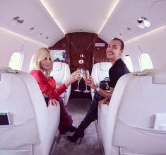 Celebrating the weekend with the best! Private Pilot, Private Jet, Donatella Versace, Rosie Huntington Whiteley, Paris Hilton, Mariah Carey, Blake Lively, Khloe Kardashian, Selena Gomez Foto