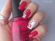 Beautiful nail art designs that are just too cute to resist. It's time to try out something new with your nail art. Red Nails, Fancy Nails, Cute Nails, Nail Art Designs Videos, Polka Dot Nails, Pretty Nail Art, Cute Acrylic Nails, Flower Nails, Nail Art Diy