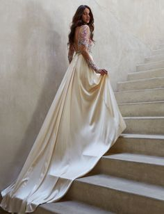 Appreciate the details in this stunning long sleeve illusion wedding dress from Claire Pettibone. The fitted waist is embellished with French Guipure lace. Boho Wedding Dress, Boho Dress, Lace Dress, Claire Pettibone, Silver Wedding Shoes, Green Wedding Shoes, Bridal Gowns, Wedding Gowns, Silk Charmeuse