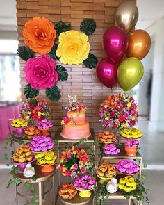 New birthday party table layout candy buffet 61 Ideas Pool Party Decorations, Balloon Decorations, Birthday Decorations, Fiesta Party, Luau Party, Mini Party, Birthday Party Tables, Flamingo Party, Tropical Party