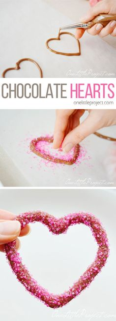 These chocolate heart outlines are SUPER EASY to make - and they look adorable!! What a perfect sweet treat for Valentine's Day!
