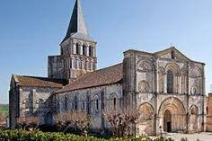 """Résultat de recherche d'images pour """"églises romanes"""""""