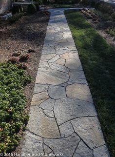 Flagstone Pathways – Hammerhead Stoneworks – Asheville, NCHammerhead Stoneworks – Keep up with the times. Backyard Walkway, Outdoor Walkway, Pavers Patio, Patio Plants, Concrete Patio, Patio Table, Backyard Patio, Walkway Ideas, Flagstone Pathway