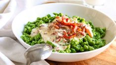 Spinach Spaetzle with creamy cheese and bacon sauce is a quick dish perfect for weeknight dinner. Ready on your table in less than 30 minutes this rich and tasty meal will be a huge hit at your dinner table! Salad Recipes Healthy Lunch, Salad Recipes For Dinner, Brunch Recipes, Vegetable Recipes, Meat Recipes, Cooking Recipes, Meat Meals, Pasta Meals, Noodle Recipes