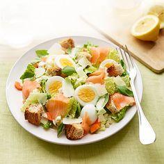 Hearty Salad Recipes - Quick And Easy Salads - Good Housekeeping Easy Salads, Healthy Salads, Healthy Eating, Healthy Recipes, Healthy Food, Salad Bar, Soup And Salad, Smoked Salmon Recipes, Caesar Salad