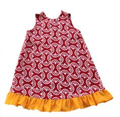 When shopping at Petit Pagne, you not only support african-based company, you help training too African Dresses For Kids, African Children, African Wear, African Fashion, Baby Dresses, Girls Dresses, Summer Dresses, Style Fashion, Kids Fashion