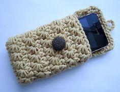 Pap porta celular em crochê, ele é simplesmente lindo!!!!! Assista o Vídeo do porta celular {Por: lovestitches.blogspot.com}