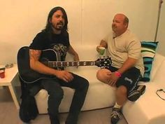 David Grohl shows how to make a pop song - Classic Dave Grohl...