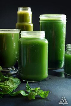 5 Delicious Green Juice Recipes - Guaranteed to turn anyone into a veggie lover :) | The Little Pine