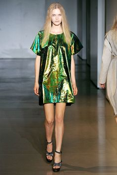 Jil Sander Spring 2010 Ready-to-Wear Collection Photos - Vogue