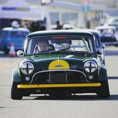Mini Things, Modified Cars, Classic Mini, Old Skool, Jdm, Cars And Motorcycles, Cool Cars, Cool Photos, Instagram