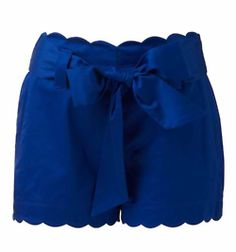 blue scalloped shorts, would be perf with a white eyelet tank! Looks Style, Style Me, How To Have Style, Look Fashion, Womens Fashion, High Waisted Shorts, Playing Dress Up, Dress Me Up, Spring Summer Fashion