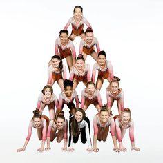 The human Xmas tree stacked 5 high Annie Leblanc Gymnastics, Annie Gymnastics, Gymnastics Tricks, Gymnastics Leos, Gymnastics Posters, Gymnastics Pictures, Gymnastics Clothes, Julianna Grace Leblanc, Hayley Leblanc