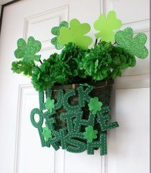 Dollar Store Shamrock Welcome Basket | AllFreeHolidayCrafts.com