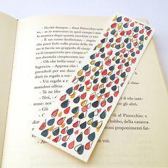 watercolor raindrops bookmark Creative Bookmarks, Diy Bookmarks, Watercolor Bookmarks, Watercolor Paintings, Hand Lettering Envelopes, Broken Book, Bookmark Craft, Book Markers, Ideias Diy