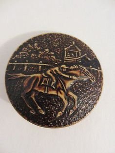 Vintage-Racing-Horse-and-Jockey-Celluloid-Button