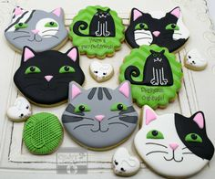 cat cookies More No Bake Sugar Cookies, Cat Cookies, Cookies For Kids, Fancy Cookies, Royal Icing Sugar, Cookie Bouquet, Holiday Treats, Themed Cakes, Cupcake Cakes