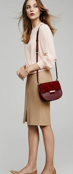 like all except the purse, probably wouldn't choose light pink shirt. Office Fashion, Work Fashion, Classy Outfits, Trendy Outfits, Classy Clothes, Burgundy Bag, White Sweater Dress, Pencil Skirt Outfits, Pencil Skirts