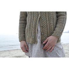 Ravelry: Porter Cardigan pattern by Beatrice Perron Dahlen Aran Knitting Patterns, Christmas Knitting Patterns, Arm Knitting, Knitting Ideas, Knit Patterns, Knitting Projects, Tweed, The Porter, Cardigan Pattern