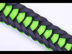 ▶ Make the Jagged Ladder Paracord Survival Bracelet with Buckle - BoredParacord - YouTube