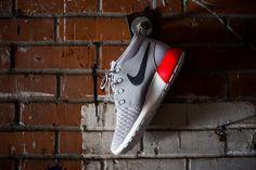 Nike Roshe Run Sneakerboot: Iron Grey & Red