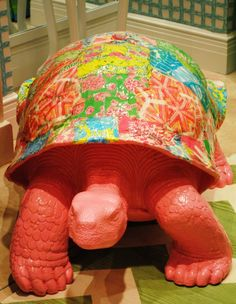 Lilly Pulitzer Turtle, how cute is this, I think I may need this for my future garden.. someday.