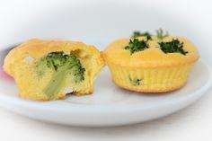 Brioșe cu broccoli (de la 8 luni) | Bucataria lui Andrei Clean Eating Breakfast, Baby Food Recipes, Sushi, Breakfast Recipes, Muffin, Cooking, Ethnic Recipes, Broccoli, Pie