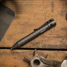 Compact Bolt Action Pen