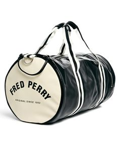 Fred Perry classic bucket bag