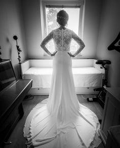 Zatisie s klavirom a stacionarnym bicyklom . . .  #svadobnyfotografbratislava #nevesty #novomanzelia #svadobnyden #svadobnefotky #marosmarkovicphotography  #slovenskysvadobnyfotograf #stacionarnybicykel Mermaid Wedding, Studio, Wedding Dresses, Fashion, Bride Dresses, Moda, Bridal Gowns, Fashion Styles, Weeding Dresses