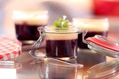 Rote Grütze mit Vanillesoße / Red Fruit Jelly with Homemade Vanilla Sauce