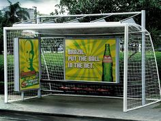 48 Fresh And Creative Bus Stop Advertisements That Will Blow Your Mind Guerilla Marketing Photo Bus Stop Advertising, Out Of Home Advertising, Creative Advertising, Marketing And Advertising, Advertising Campaign, Sports Marketing, Online Marketing, Guerilla Marketing, Street Marketing