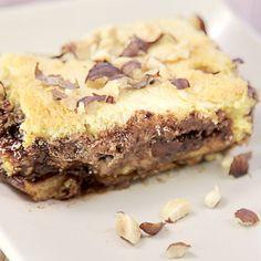 Zutaten:      9 Scheiben Brioche oder 3-4 Milchbrötchen     180 g Nutella     20 g gemahlene Haselnüsse     Eine Hand voll...