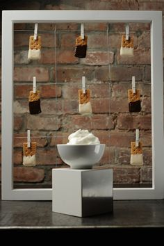 in love with this chic and modern mess-free s'mores idea!