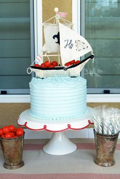 ✯Awesome Cake✯ The only thing it is missing is a giant Kraken...