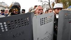 Το Κουτσαβάκι: Οι διαδηλωτές στην Rada (Ουκρανική Βουλή) έδωσαν  ...