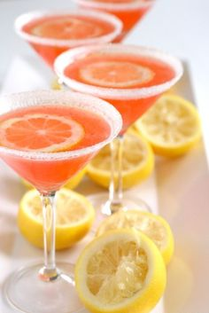 Strawberry Lemon Drop Martini 1 of a strawberry vodka ; Triple of sweet and sour oz fresh lemon juice; Lemon Drop Martini, Grapefruit Martini, Grapefruit Health, Refreshing Drinks, Summer Drinks, Spring Cocktails, Summer Food, Non Alcoholic Drinks, Beverages