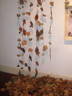 Cortina otoñal « InnovArte Educación Infantil Español/ Una gran forma de hacer arte con materiales naturales dentro del aula