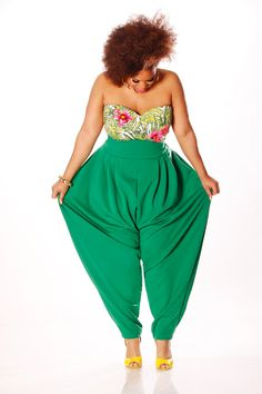 A crop top/high waist pant outfit done RIGHT!