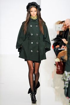 Baby, it's cold outside! Rachel Zoe Cape Trench - Fall 2012. NYFW. Follow Me @GiselleUgarte.