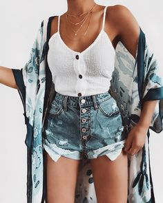 Ways To Wear Denim Jeans Outfits For This Summer - Summer Fashion - Fashionable White Summer Outfits, Summer Shorts Outfits, Summer Clothes, Tumblr Summer Outfits, Outfit Summer, Summer Wear, Mode Outfits, Trendy Outfits, Fashion Outfits