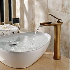 laiton traditionnel de bronze antique chaude et froide poignée seule grande salle de bains bassin évier robinet mélangeur RB0419 http://www.robinetshop.com/laiton-traditionnel-de-bronze-antique-chaude-et-froide-poign%C3%A9e-seule-grande-salle-de-bains-bassin-%C3%A9vier-robinet-m%C3%A9langeur-rb0419-p-716.html
