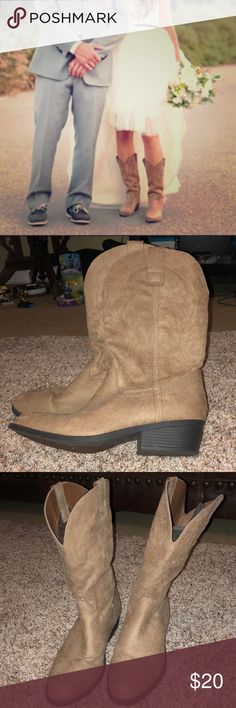 Cowgirl Boots👢 Classic cowgirl style tan boots. These were only worn once. Excellent condition as shown. The first pic is just a cover shot. The rest are the actual boots.  •ALL of my proceeds go to my son who is sick.•  🔴My prices are BEYOND fair. Please do not lowball me!🔴 Rampage Shoes