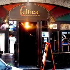 Een stopje waard! Overdag is Celtica een bar en in de avond is het een dancing bar.