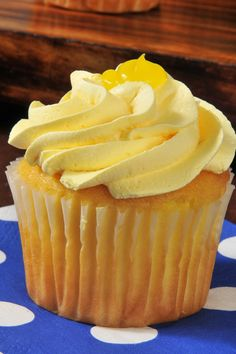 Lemon Cupcakes with Lemon Cream Icing Recipe