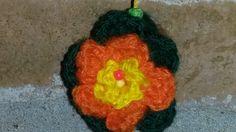Detalle de flor amarillo y naranja doble-