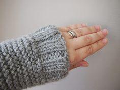 Oman kuplansa sankari: Skappel-neule Sankari, Fingerless Gloves, Arm Warmers, Knitting, Fashion, Fingerless Mitts, Moda, Tricot, Fashion Styles