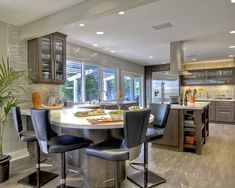 Counter rounds into table - great for breakfast nook area.  Round Island Design, Pictures, Remodel, Decor and Ideas - page 11