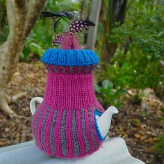 Grecian Lovely by Loani Prior  tea cosy knitting pattern